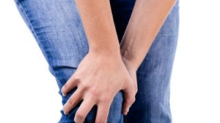 Инфрапателарен бурсит - причинява болка и скованост в..