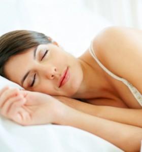 Хранене и сън - каква е връзката?