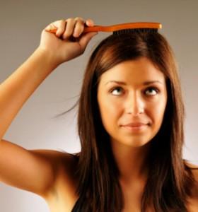 Нормално ли е да губим коса след раждане?