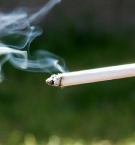 Забраната за пушене на закрито остана