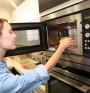 Вреди ли микровълновата фурна на храната?