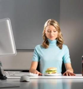 Как да се храним здравословно на работното си място