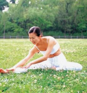 Как да стегнем бедрата с йога?
