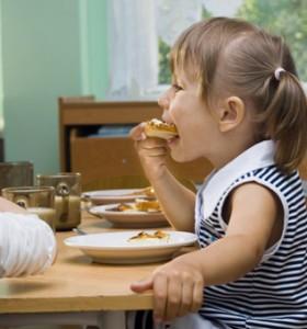 70% от родителите хранят децата си с чипс и сладки