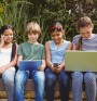 """Срещата на децата с """"умните"""" технологии. Протракция на глава"""