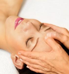 Лицевият масаж - срещу торбичките под очите