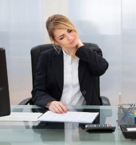 Неправилната позиция крие риск от артроза сред младите