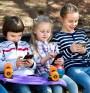 Смартфонът вреден за децата, колкото и телевизора