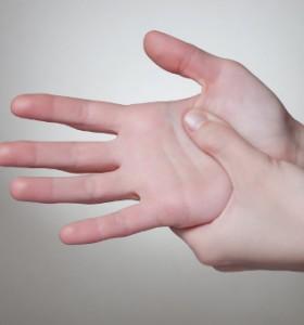 Какво означават линиите по дланите?