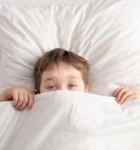 Спално бельо отблъскващо акари облекчава алергичната астма