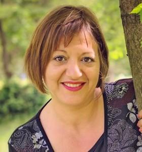 Неда Дойчинова: Подкрепата помежду ни ни държи при изпитанията за мечтаната рожба