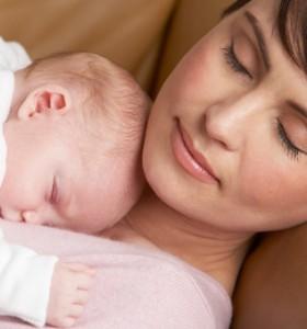 Първи грижи за новороденото вкъщи