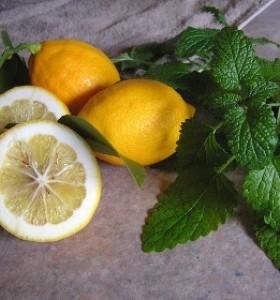 Прочистваме тялото от токсини с лимон