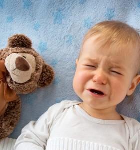 Коя е естествената реакция на майката към плача на бебето?
