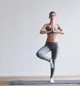5 ефективни йога пози срещу тревожност и стрес. Йога със Стела Колева