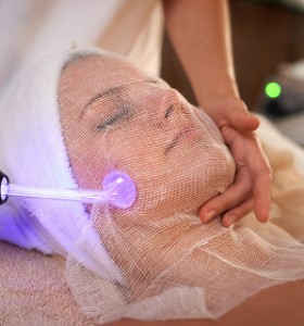 Псориазис вулгарис се овладява с фототерапия