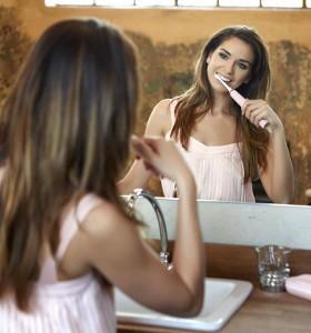Защо правилната грижа за зъбите е важна за общото ни здраве?