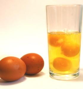 Безопасно ли е да се ядат сурови яйца?