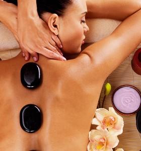 Колко полезен е масажът с вулканични камъни?