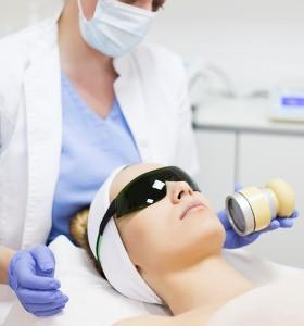 Ползи и рискове от фототерапията при атопичен дерматит