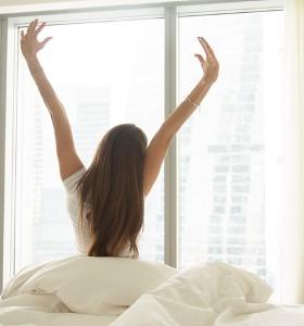 Кое е по-вредно – недоспиване или дълго излежаване?
