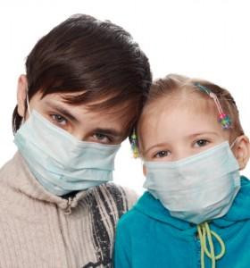 С маска срещу грип – осигурява ли защита?