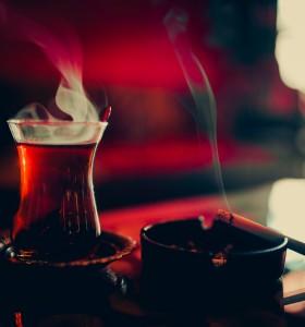 Ако сте страстни пушачи, не пийте чая горещ