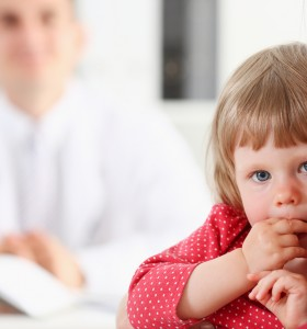 Хрема и кашлица: важните факти за баналните детски болести през зимата