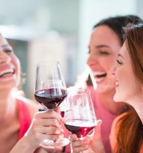 Червеното вино предпазва и от кариеси и гингивит