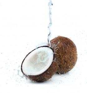 Кокосова вода и кокосово мляко – кои са разликите?