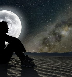 Пълнолуние и безсъние – има ли причинно-следствена връзка?