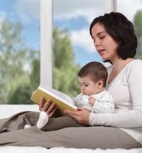 Самостоятелен седеж на бебето - кои са стъпките към успеха?