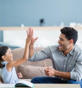 Родителското поведение, което създава несправящи се деца