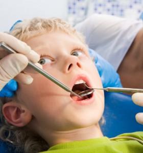 Как хормоните и авитаминозите оказват влияние върху зъбите и челюстта?