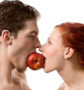 Как да стимулираме секса чрез хранене? (I част)