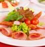 Какви са полезните хранителни вещества в колбасите за деца?