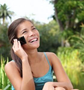СЗО: Мобилните телефони увеличават риска от рак на мозъка