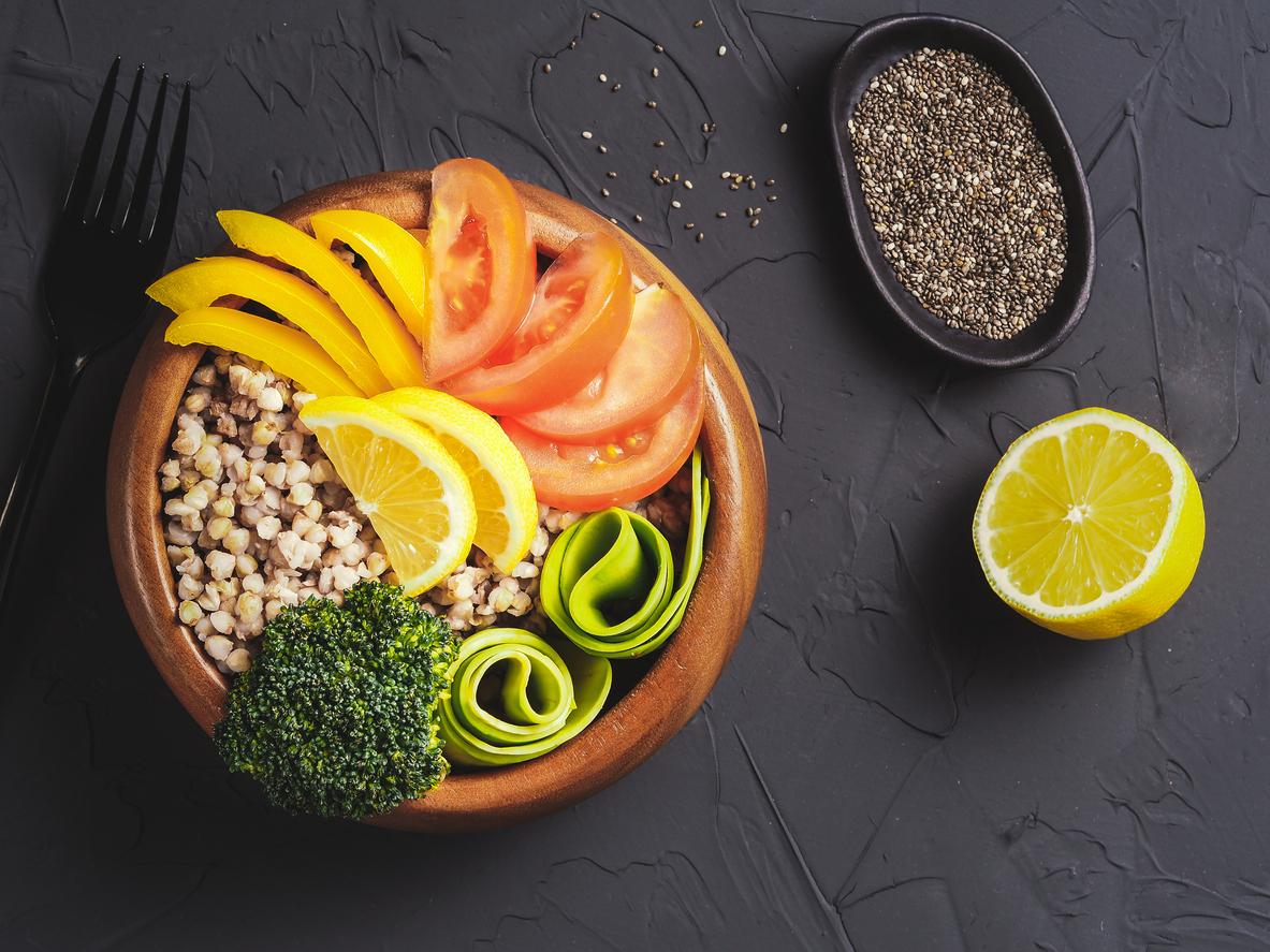 Храната е основният източник на полезни за организма вещества, а