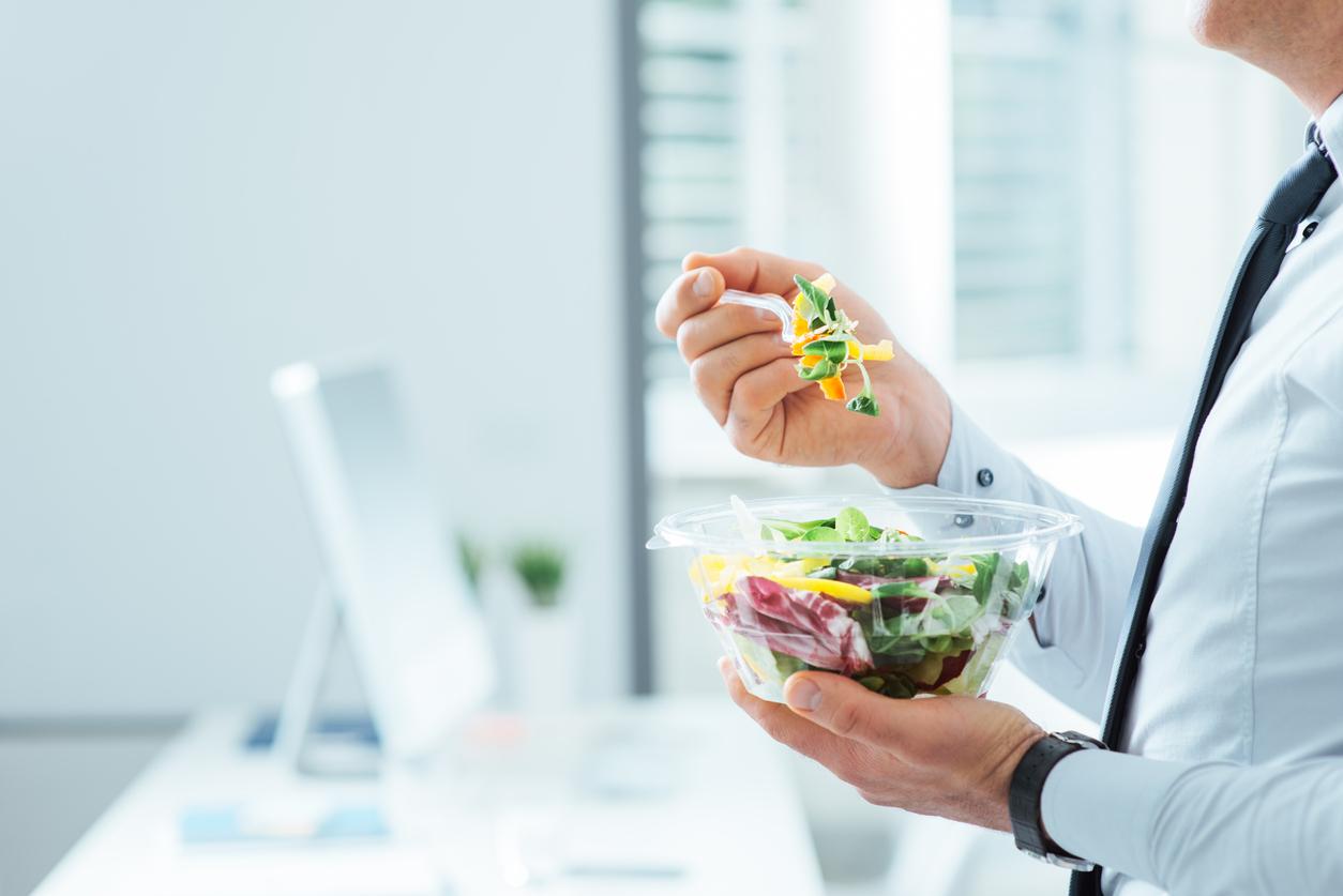 Храната, която консумираме ежедневно на работното си място, е богата
