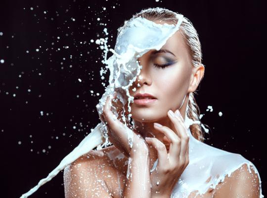 Снимка: Ползите за кожата от млякото
