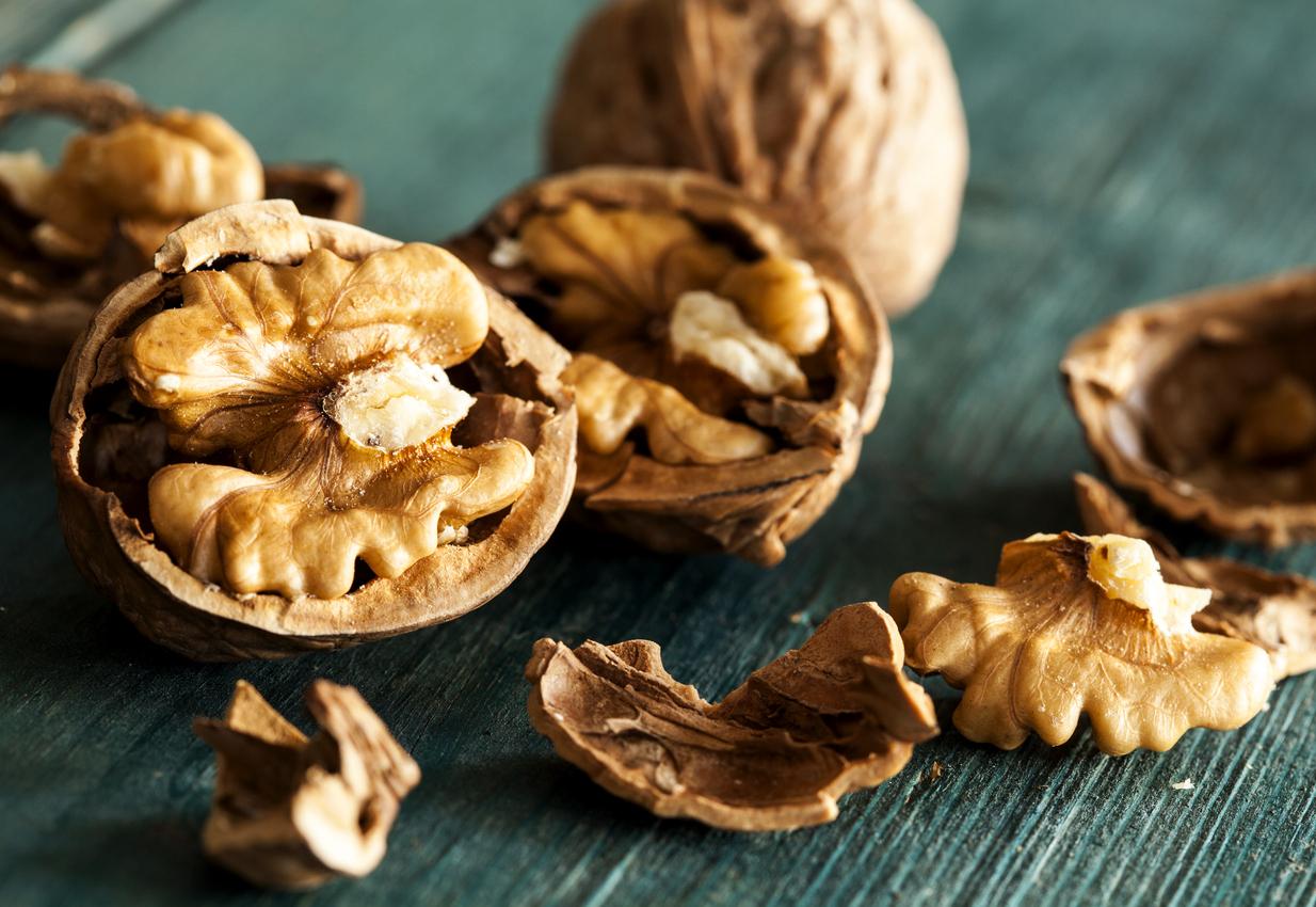 Според ново проучванеконсумацията на богатите на антиоксиданти орехи, може да