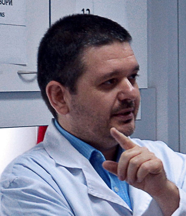 Антон Вълчев е магистър-фармацевт. Завършил е висшето си образовани в