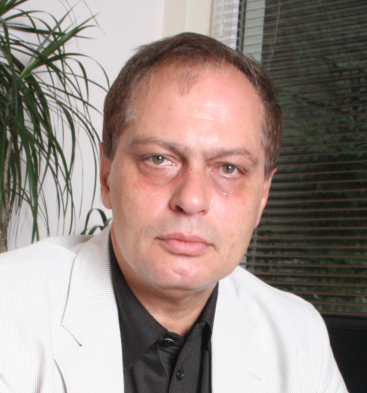 Акад. проф. д-р Иван Миланов, д.м.н. е роден през 1954