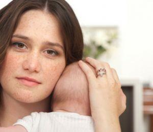 Следродилна депресия – защо е опасна?